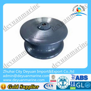 Marine cast steel fairlead roller type